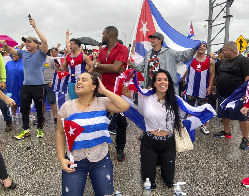 Miami demonstrators block highway to support Cuban protests