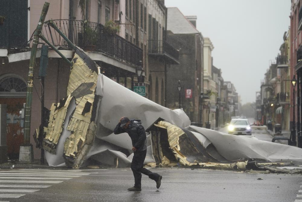 Hurricane Ida strikes Louisiana; New Orleans hunkers down