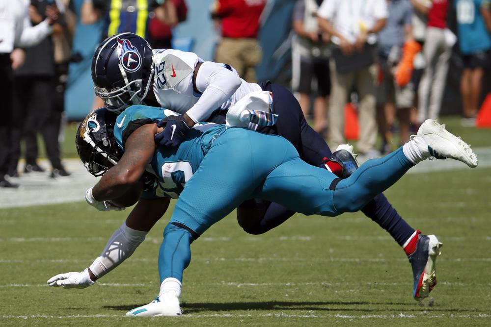 Titans use 2 huge defensive plays to beat Jags