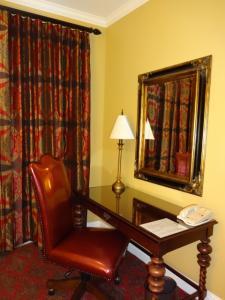 Our Premium Room Desk/Work Area