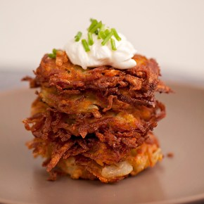 latkes, potato pancakes, Jewish cooking, fall food, comfort food