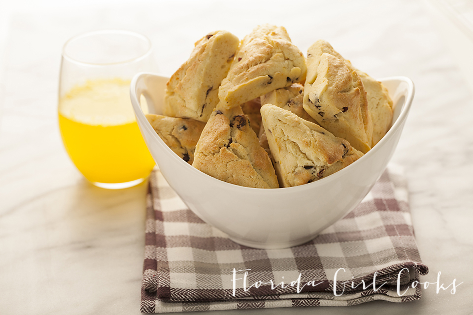 min orange-cranberry scones, breakfast, pastry