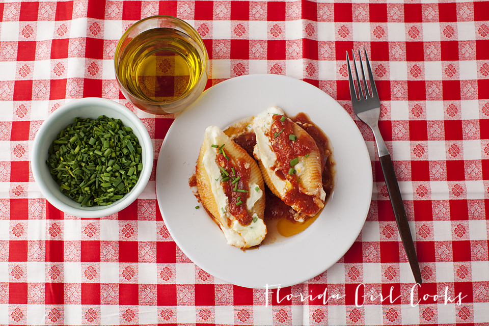 stuffed pasta shells, Italian cooking, pasta, Italian recipe