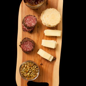 winter charcuterie, charcuterie, peppery charcuterie, appetizer, finger food, easy entertaining, new years even entertaining, new years eve food