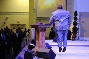 Bishop-Gunns-at-the-pulpit-during-the-International-Worship-Summit