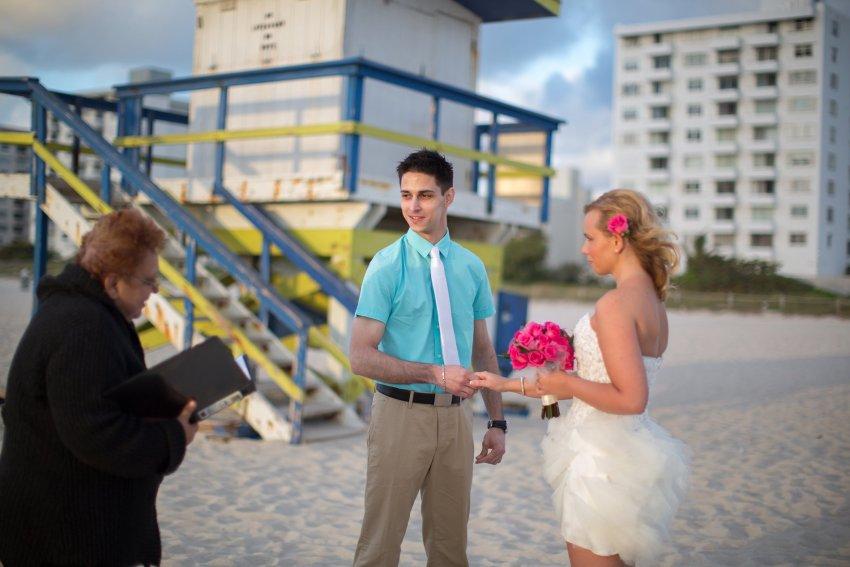 hochzeit-am-strand-von-florida-in-deutscher-sprache-a1-008 Tom's Miami Beach Elopement