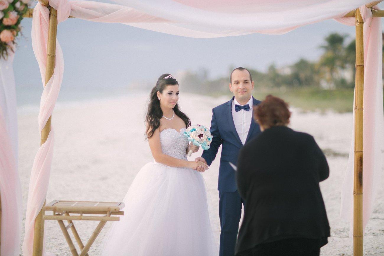 ft-myers-miami-fort-lauderdale-florida-beach-wedding-decoration-5 Artistic Pink Beach Wedding Decoration