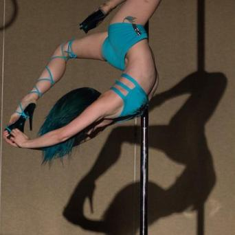 Leah Franklin. Leah Franklin has been pole dancing for almost two years at Muse Pole Fitness in Columbia, Missouri. Leah graduated college in 2012 with a degree in dance but was always seeking out other performance opportunities. She cherishes every opportunity she gets to perform. Some memorable performances the 2014 Michigan Pole Fest showcase, placing second at the PSO national competition in the championship level 3 division, performing at the Midwest Presentation Showcase, the Scare Away Breast Cancer fashion show and fundraiser in Fort Wayne, Indiana, and most recently Secret Sircus in Detroit, Michiagan. When Leah is not on stage, she works as dance teacher and freelance choreographer.