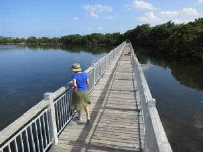 The boardwalk leading to the jetty at Biscayne National Park. (Photo: David Blasco)