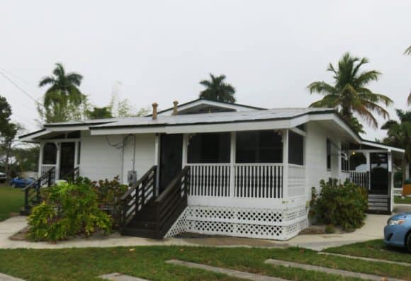 All rooms at the Everglades Rod and Gun Club are in the cabins on the grounds. (Photo: Bonnie Gross)