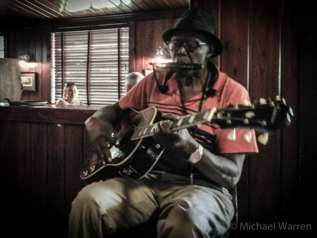 Willie Green Plays the Blues