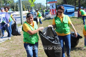 World Mission Society Church of God, wmscog, Mother's Street, cleanup, movement, mother, campaign, trash, garbage, leaves, volunteers, volunteerism, unity, global, world, florida, fl, tampa, jacksonville, miami, orlando, christian