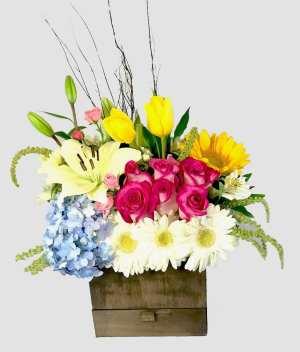 Amor rústico- arreglo con tulipanes- Florerías en Tijuana, Arreglos Florales Tijuana