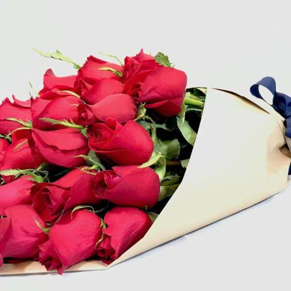 Fuente de luz - Ramo de rosas rojas - Florerías en Tijuana, Arreglos Florales Tijuana