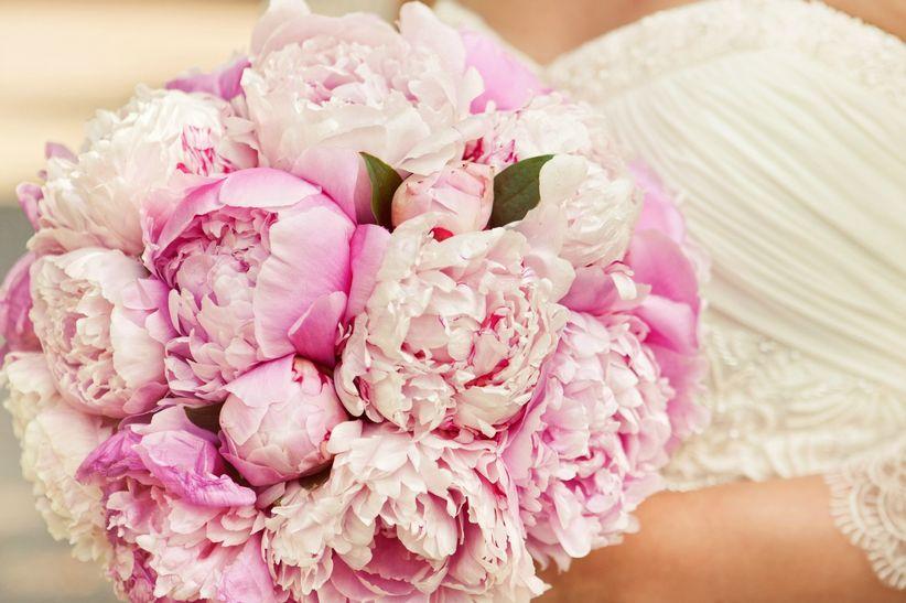 ramos de flores con peonias para tu boda