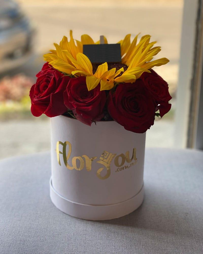 Caja de rosas y girasoles, Arreglo de flores, Envía flores a domicilio en Tijuana