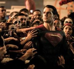 batman-vs-superman-ew-pics-1-240x225