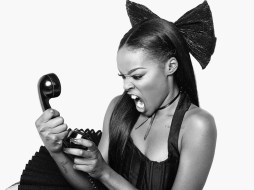 "Azealia Banks Shares New Video ""Anna Wintour"" – Watch Here!"