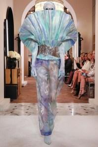 Balmain-Spring-2019-Couture-PFW-Runway-Fashion-10