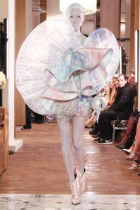 Balmain-Spring-2019-Couture-PFW-Runway-Fashion-15