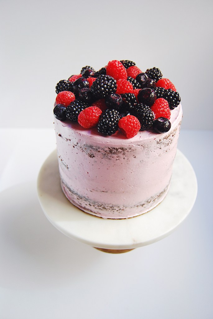 Triple berry cake stuffed with Nutella