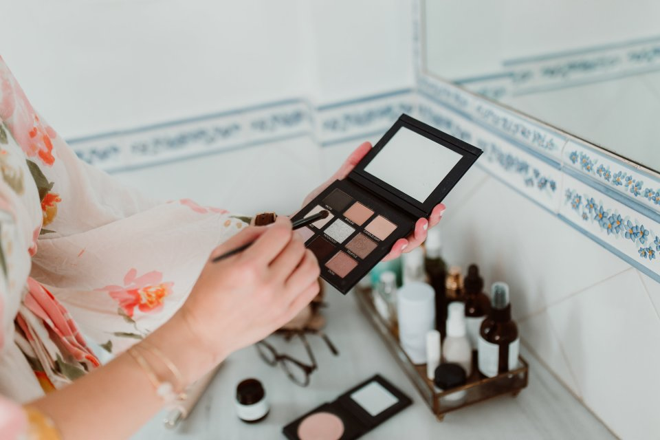 5 Safer Beauty Trends of 2018 That Are Here to Stay | Flourish