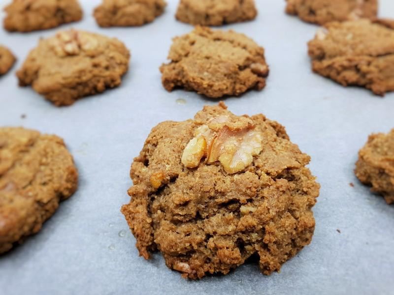 Koolhydraatarme walnoot-kaneel koekjes