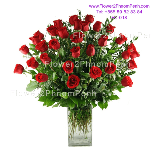 36 Red rose in glass
