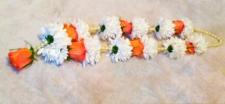 Fresh Orange and White Garland 2by Flower Busy