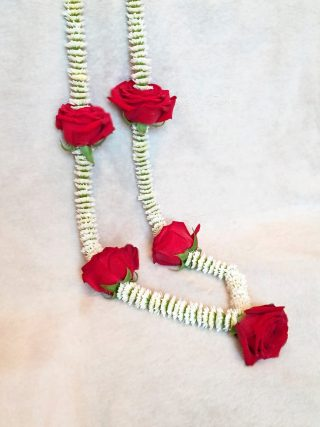 Slim Rose Wedding Garland 6 by Flower Busy