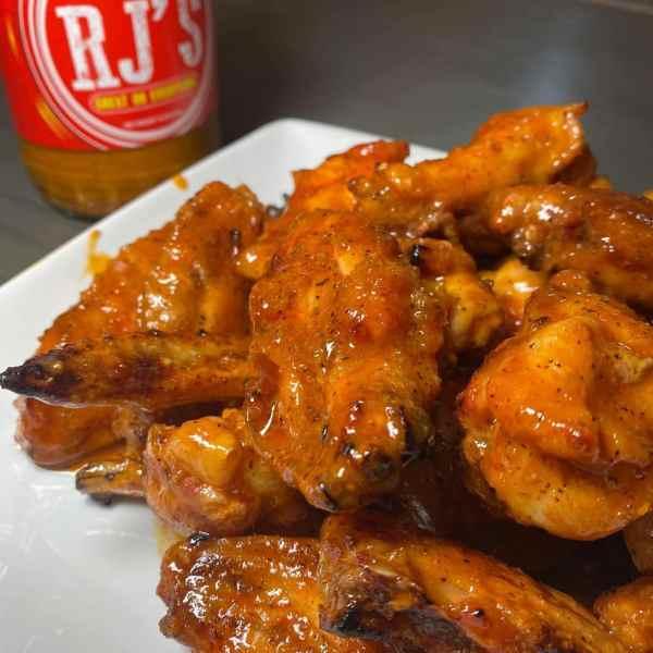 rj gourmet buffalo wing sauce 2