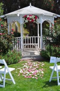 flowerduet-pink-white-arch