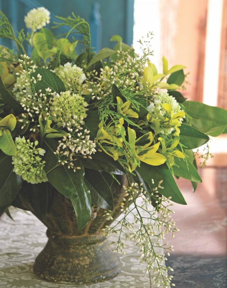 fall brunch, magnolia leaf arrangement