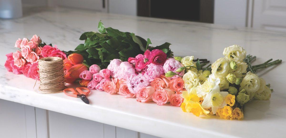 French Twist: A Hand-Tied Bouquet - Flower Magazine