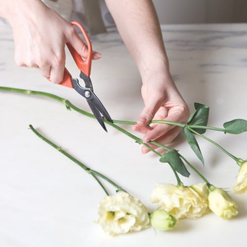 how to make a hand-tied bouquet