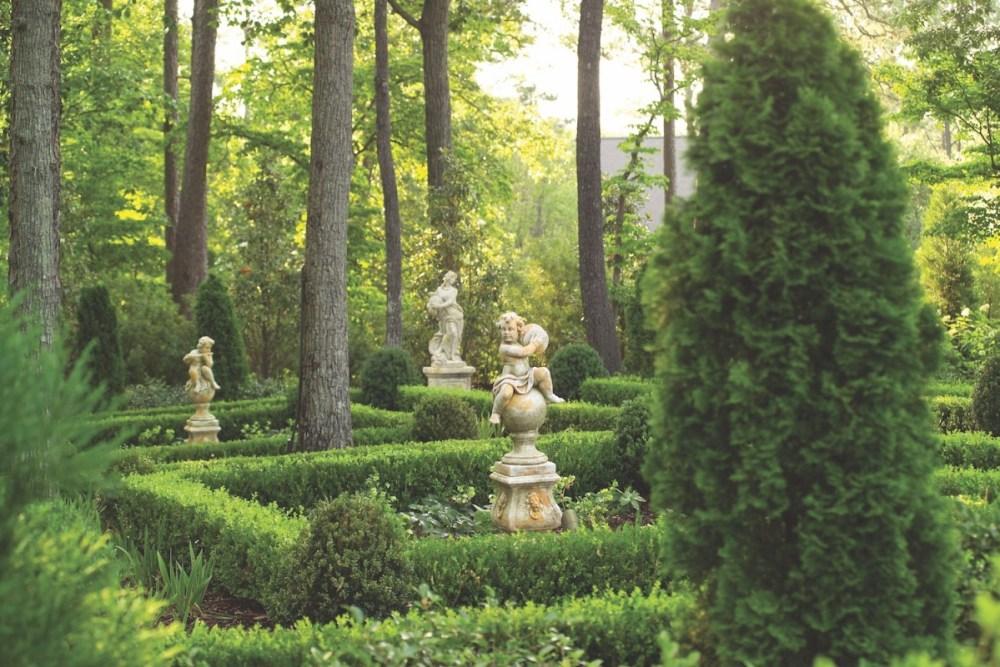 garden statuary, garden statues