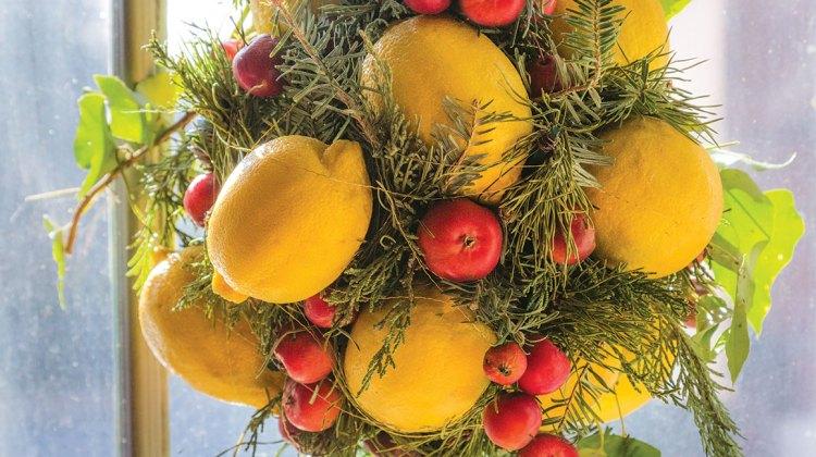 lemon kissing ball, how to make a kissing ball, christmas kissing ball