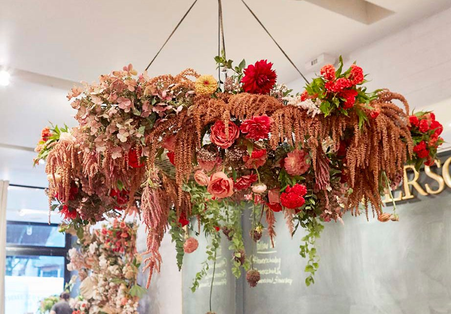 Flower chandelier with no floral foam created by FlowerSchool Master Florist Ingrid Carozzi and her workshop studens