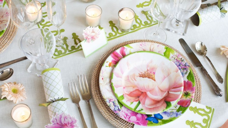 A table set with Caspari's Spring-Summer 2020 Collection