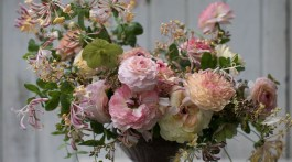 Sherbet-Toned Centerpiece from the book Floret Farm's A Year in Flowers, page 126