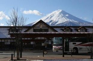 【一個人旅行】富士五湖Day1~就算一個人 也要爽住河口湖看山泡湯(富士吟景超推der!)