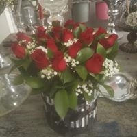 Hatbox Roses #11= sml 500, med 600 lrg 700. colours also available white