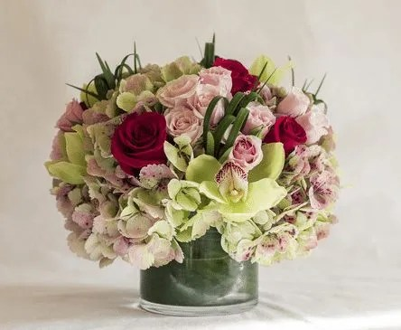When to Go Antique with Flowers