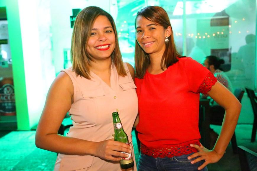 5 Pamela Trinidad y Rosa María Guzmán.