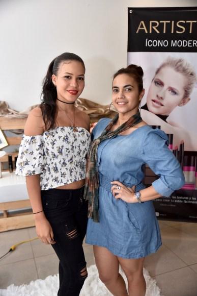 Carolina Gómez y Virginia Espinal.