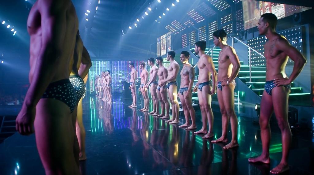 Concursantes en traje de baño