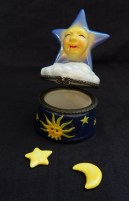 "Storage/Decoration-UK-Pop culture-Ceramic/Metal-3 1/4""-star and moon 3/4"""