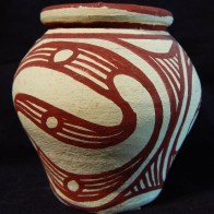 Miniature pot with lid