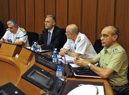Il Ministro Mauro insieme al Capo di SMD (alla sua sinistra)