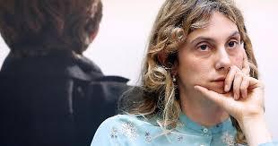 la Ministra alla P.A., Marianna Madia pensierosa....